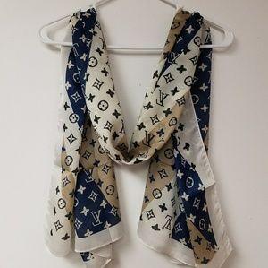 New Louis Vuitton scarf